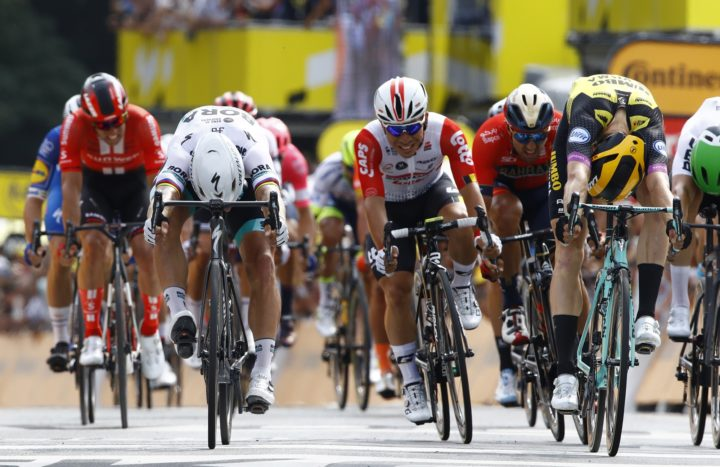 c924e0f5b22 Photo finish on Tour de France stage 1